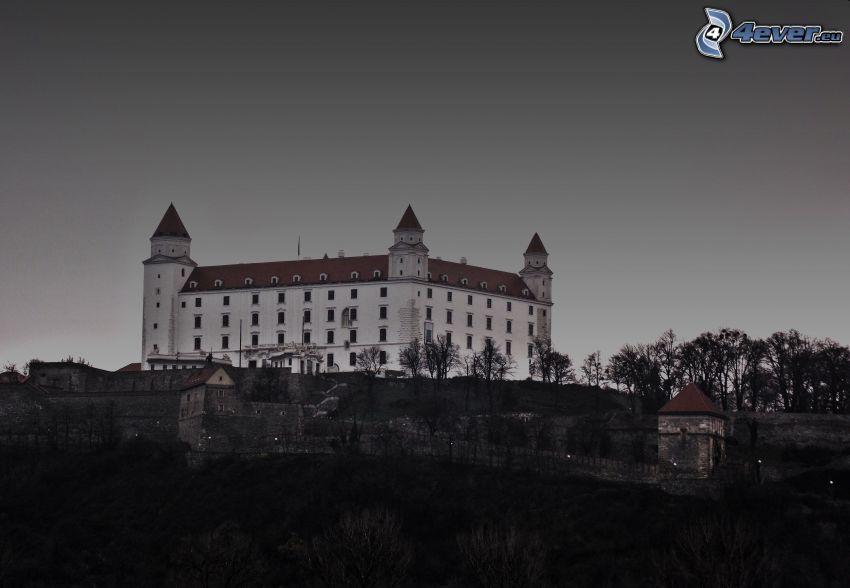 Bratislavas slott, kväll