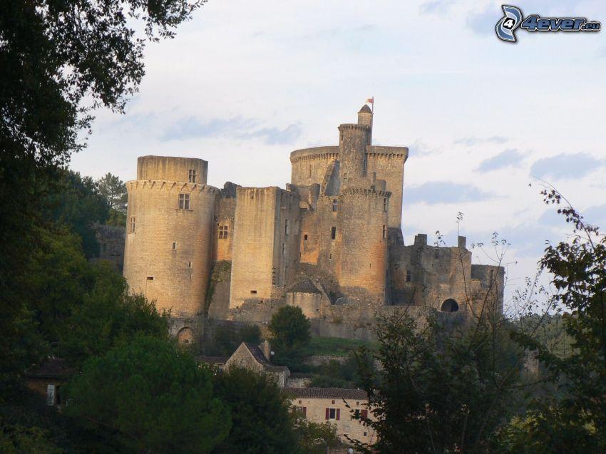 château de Bonaguil, träd