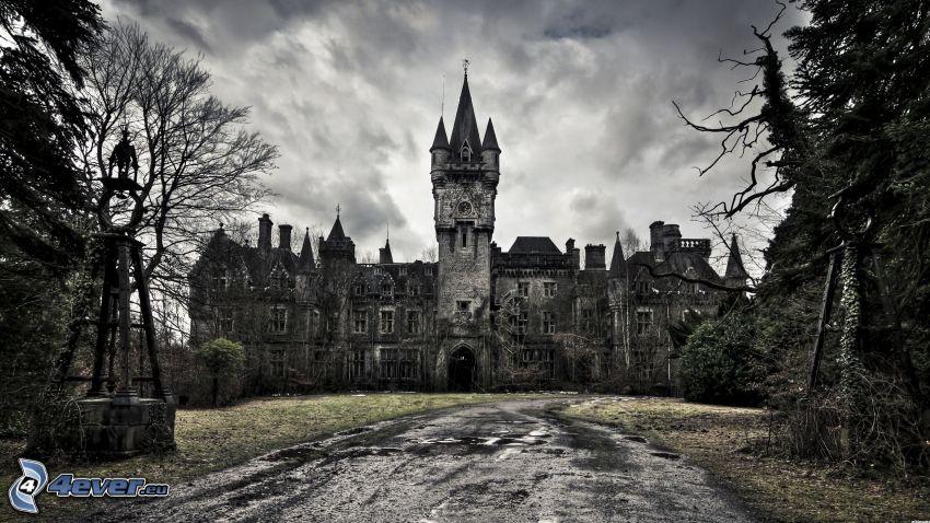 Château de Noisy, spökslott, Belgien