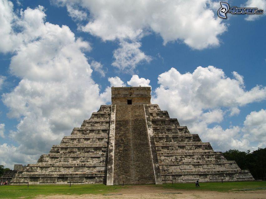 Chichen Itza, pyramid