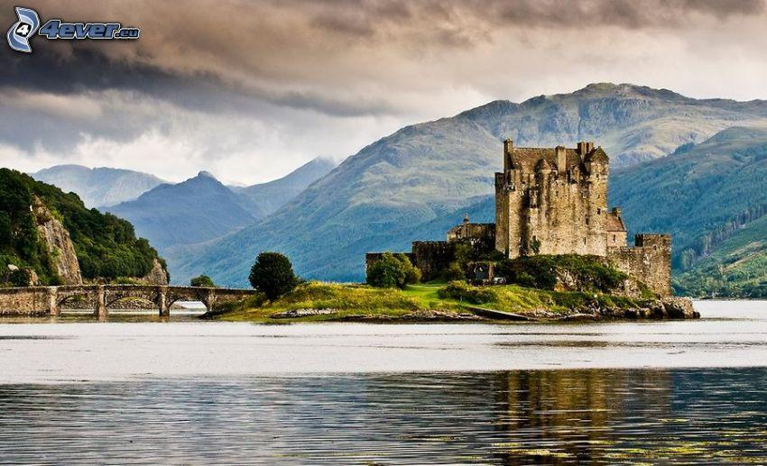 Eilean Donan, Skottland, slott