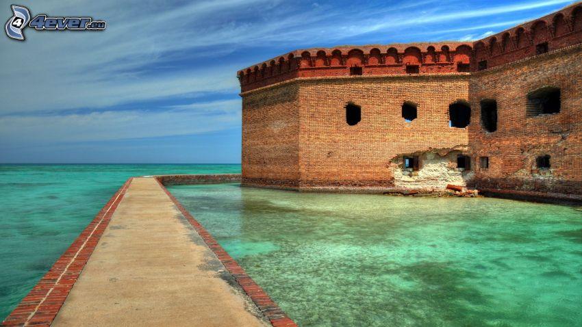 Fort Jefferson, slott vid vatten, azurblå hav