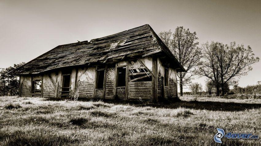 gammalt trähus