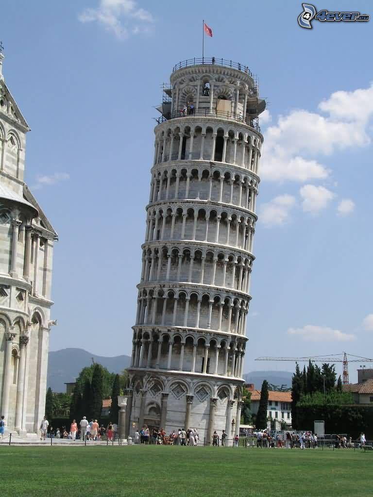 Lutande tornet i Pisa, Baptisteriet i Pisa
