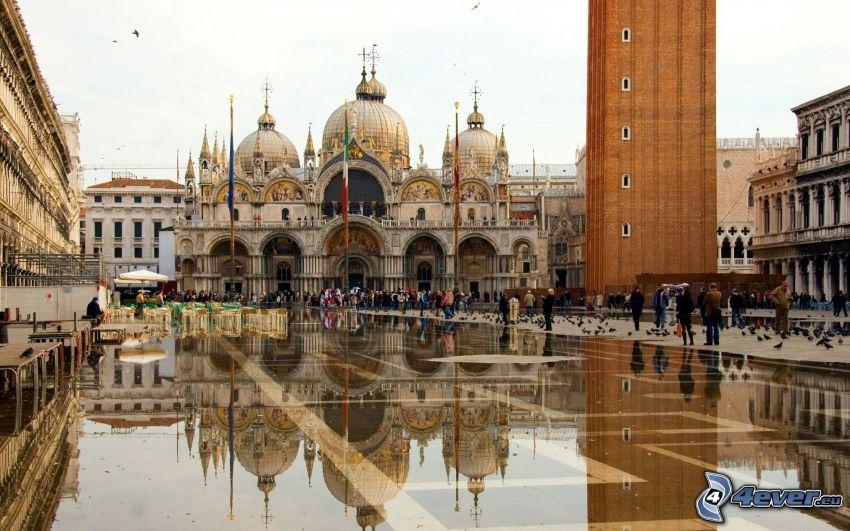 Markuskyrkan, Venedig, Italien, torg, människor