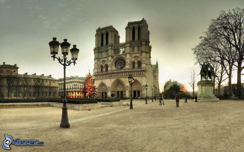 Notre Dame, Paris, torg