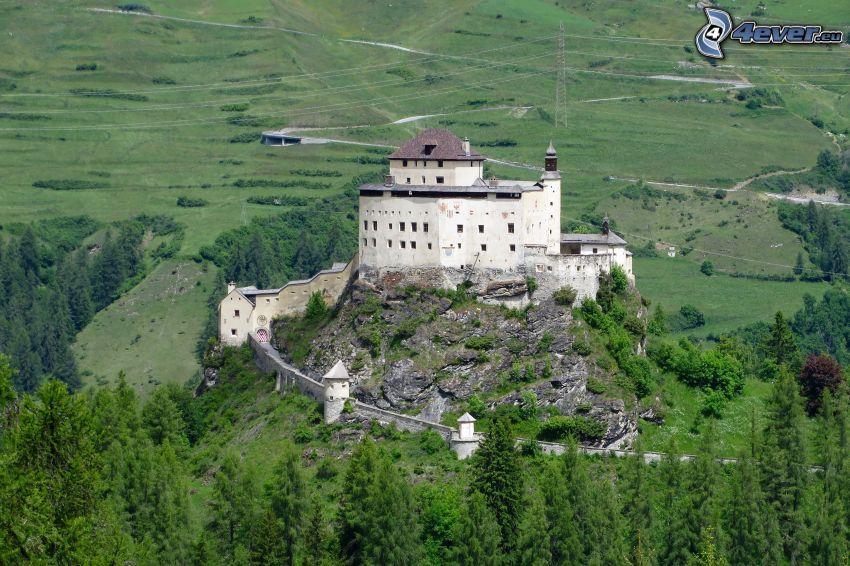 slottet Tarasp, skogar och ängar