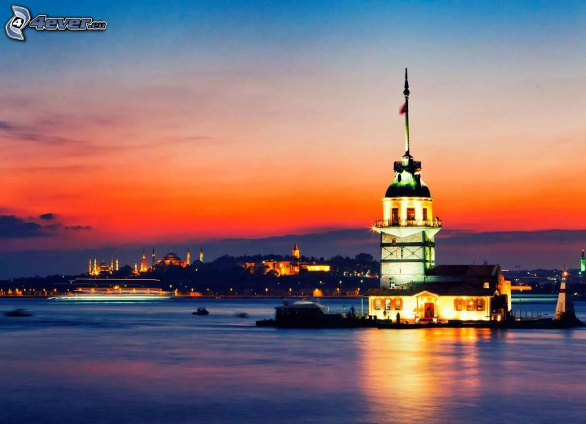 Kiz Kulesi, efter solnedgången