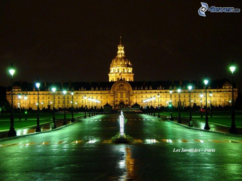 L'Hôtel national des Invalides, Paris, Frankrike, natt, belysning