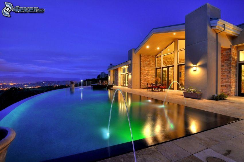 lyxigt hus, bassäng