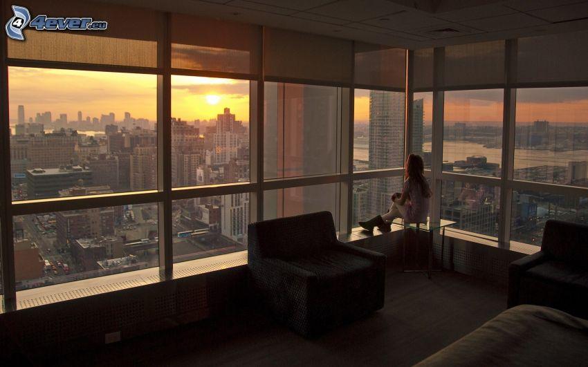 tjej, stadsutsikt, solnedgång över stad