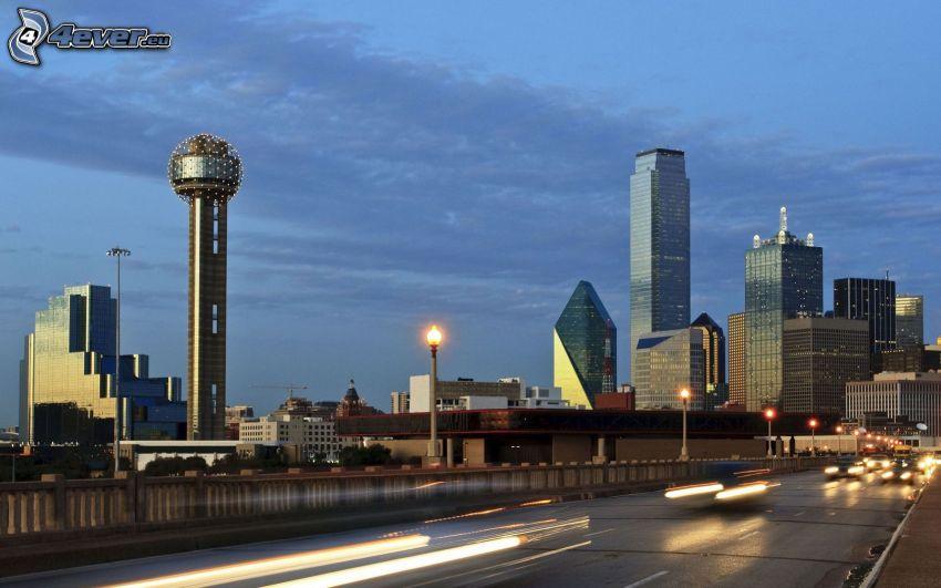 Dallas, skyskrapor, väg, ljus
