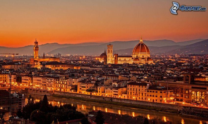 Florence, Italien, stadsutsikt, kvällsstad, efter solnedgången