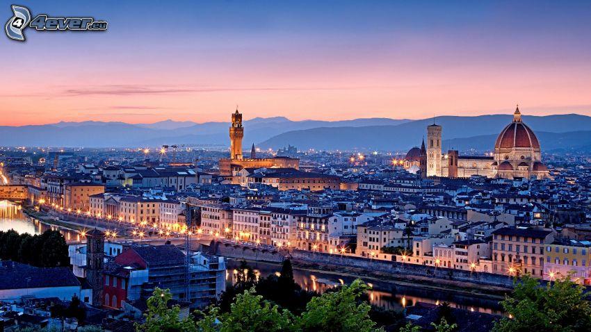 Florence, stadsutsikt, kväll