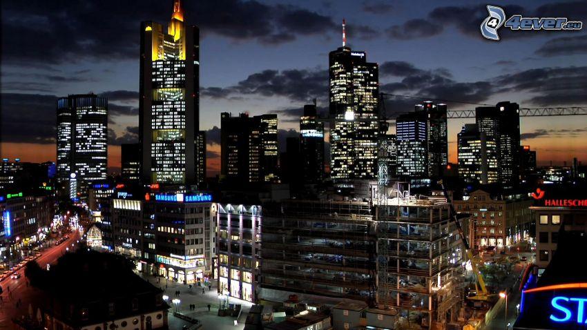 Frankfurt, nattstad, ljus, gator, belysning, skyskrapor