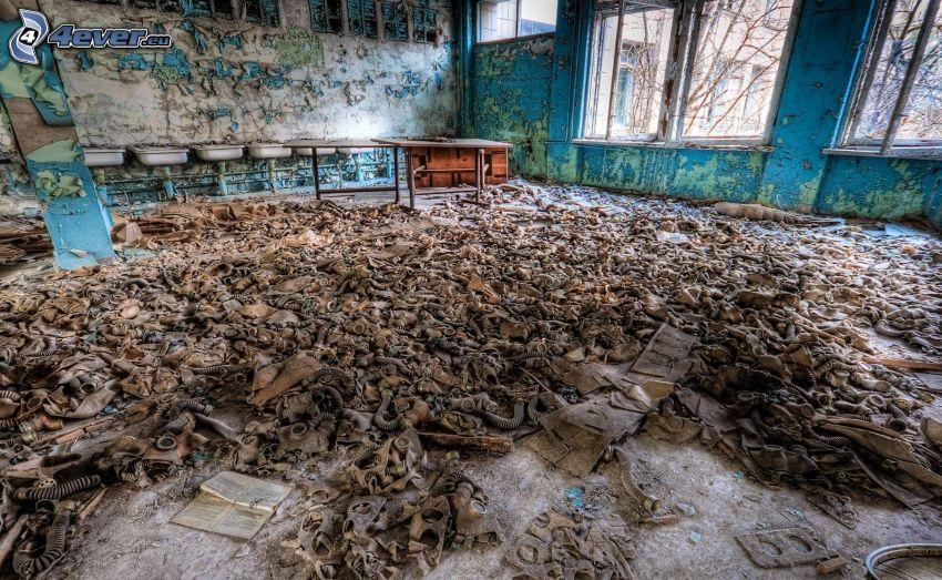 gasmasker, övergivet rum, Pripyat, Tjernobyl