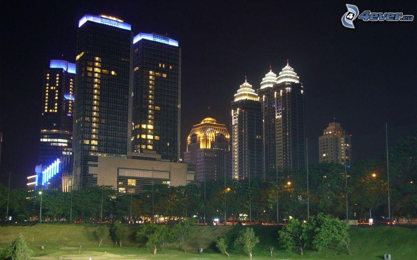 Jakarta, nattstad, skyskrapor, park