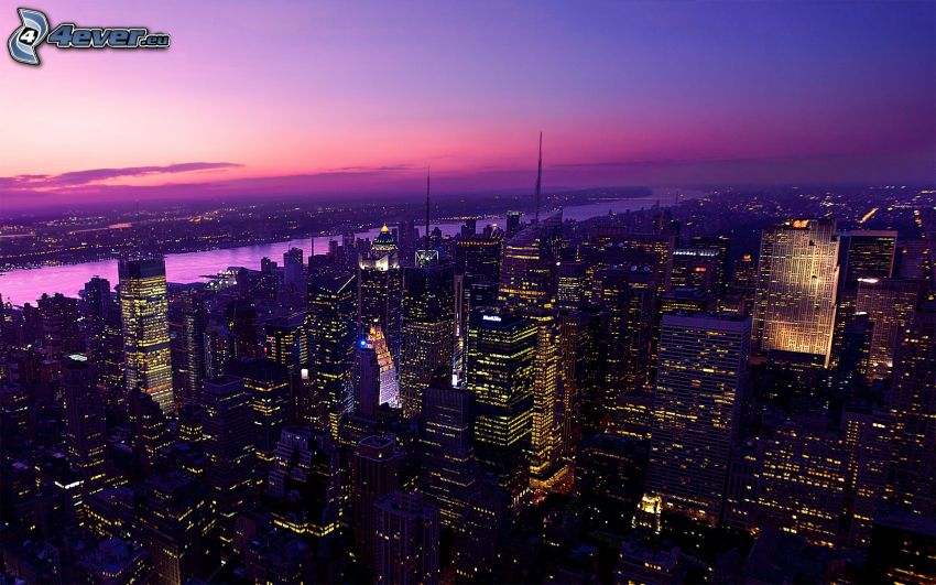 Manhattan, New York, lila himmel, skyskrapor, nattstad