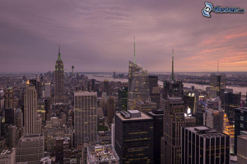 Manhattan, New York, skyskrapor, kvällsstad