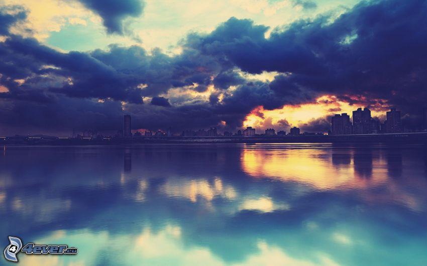 moln, hav, skyskrapor, stad