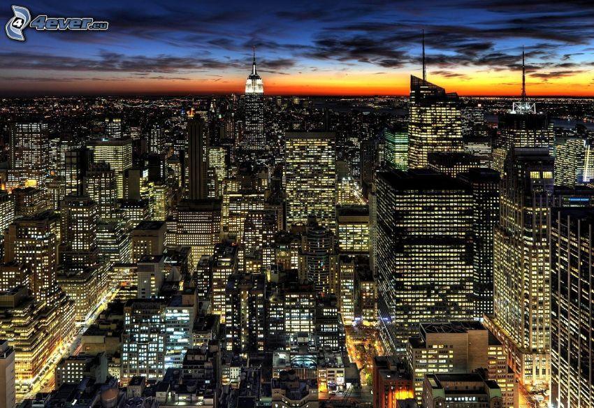 New York, kvällsstad, skyskrapor, efter solnedgången