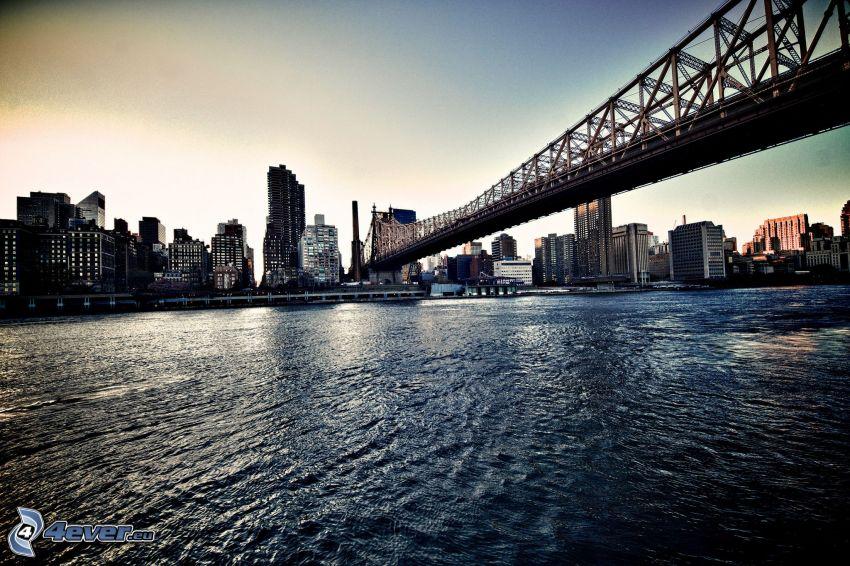 New York, skyskrapor, järnbro, flod