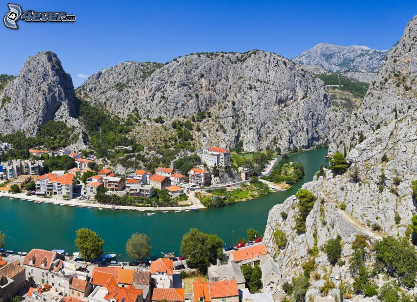 Omiš, Kroatien, klippor, flod