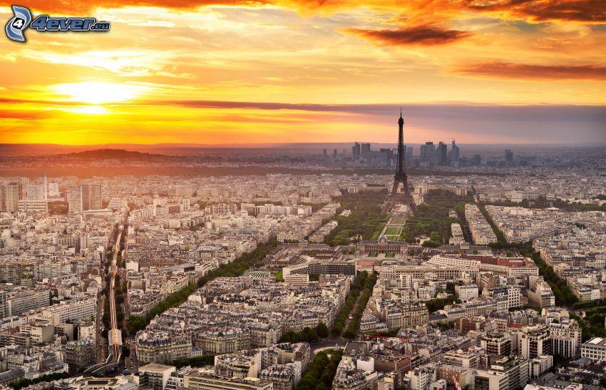 Paris, Eiffeltornet, solnedgång över stad, kvällshimmel