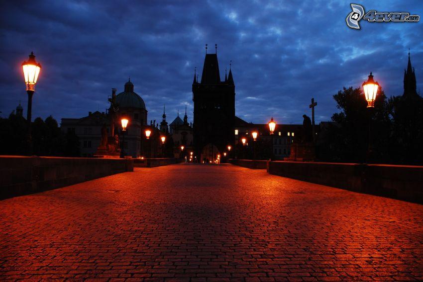 Prag, nattstad, gata, gatlyktor