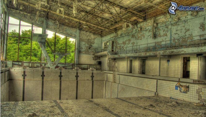Pripyat, bassäng, gammal byggnad