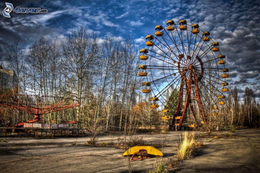 Pripyat, pariserhjul, moln, HDR