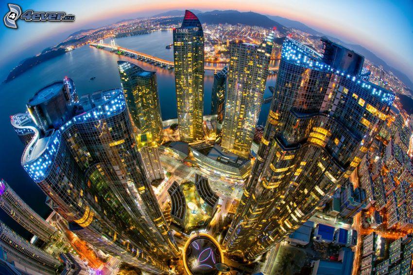 Pusan, Sydkorea, skyskrapor, kvällsstad