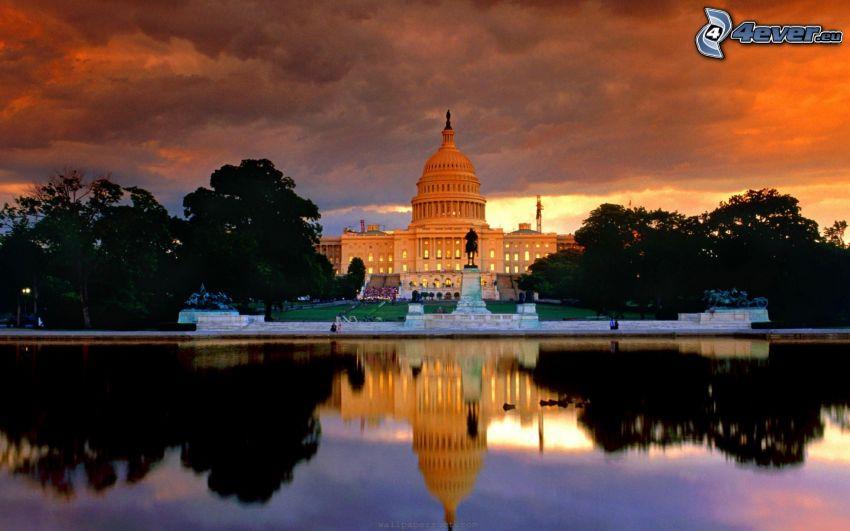 The Capitol, Washington DC, USA, kväll, träd, flod, spegling