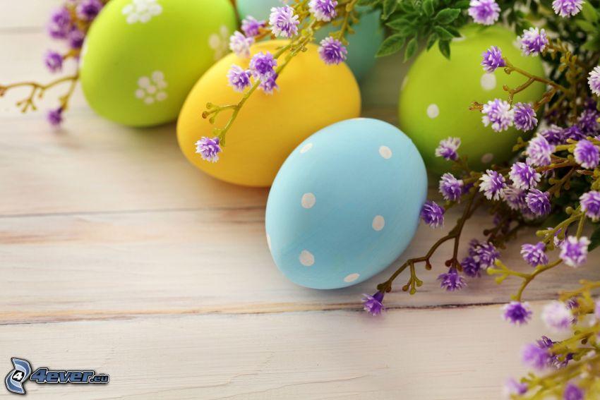 målade ägg, påskägg, lila blommor