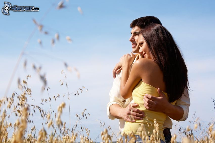 man och kvinna, par, torrt gräs