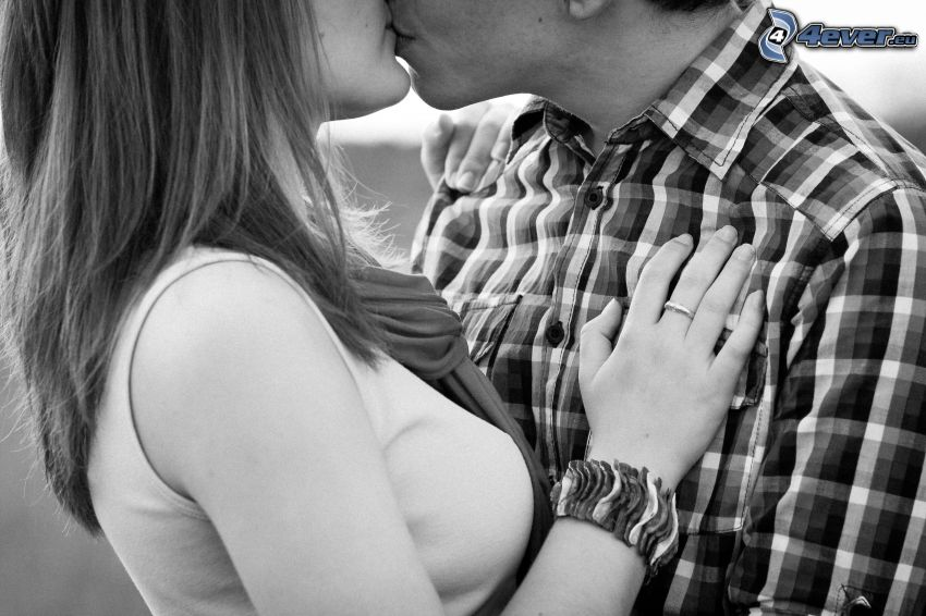 par, kyss, svartvitt foto