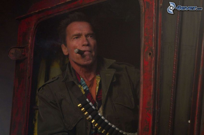 The Expendables 2, Arnold Schwarzenegger, cigarr