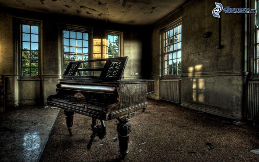 gammalt piano, gammal byggnad, HDR