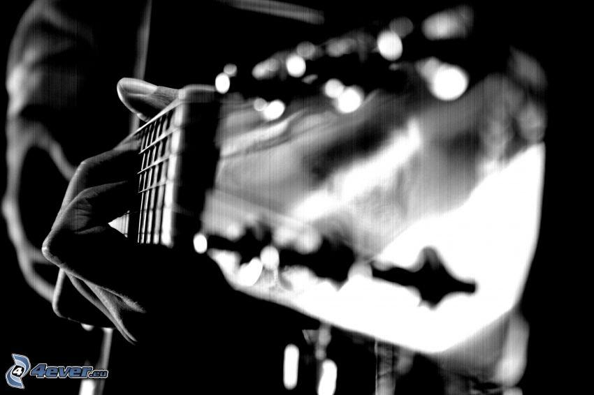 gitarrhuvud, fingrar, svart och vitt