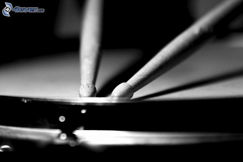 trummor, svartvitt foto