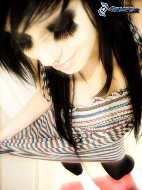 emo tjej, ögonfransar, lugg, svart hår