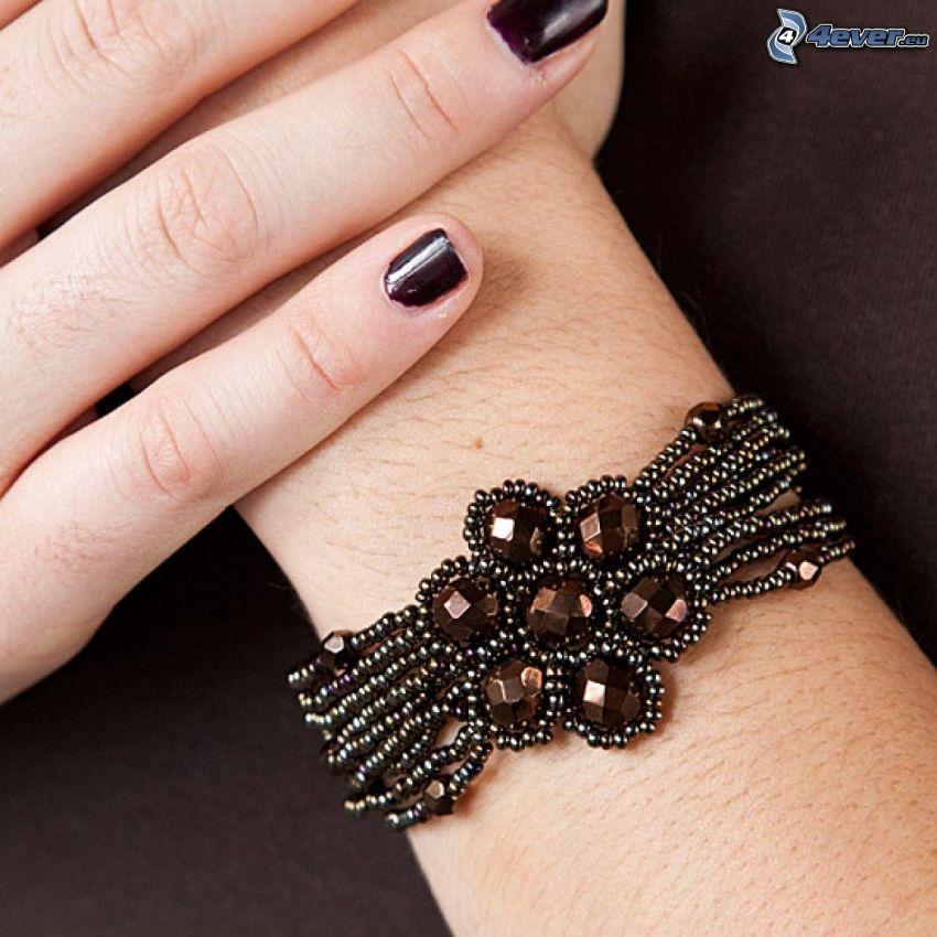 armband, hand, målade naglar