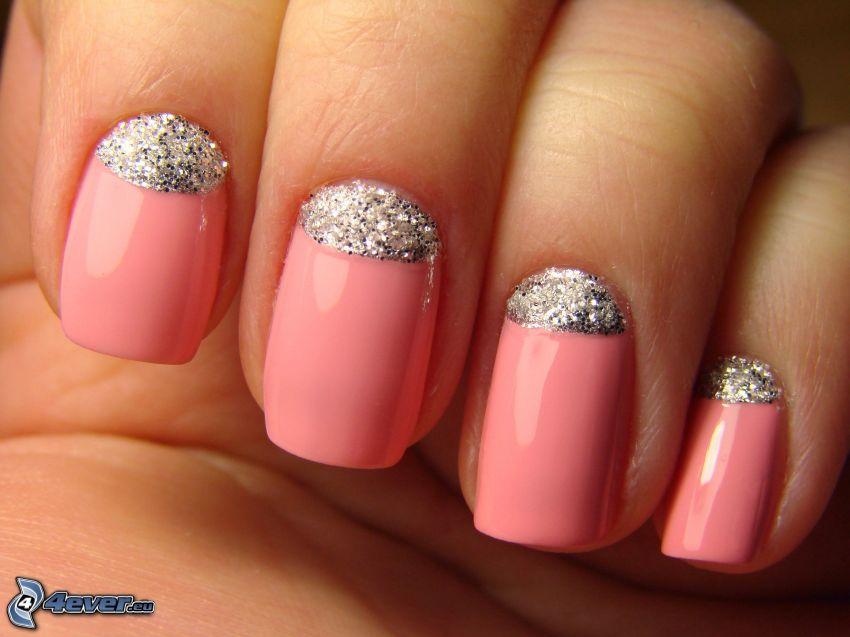 målade naglar, glitter