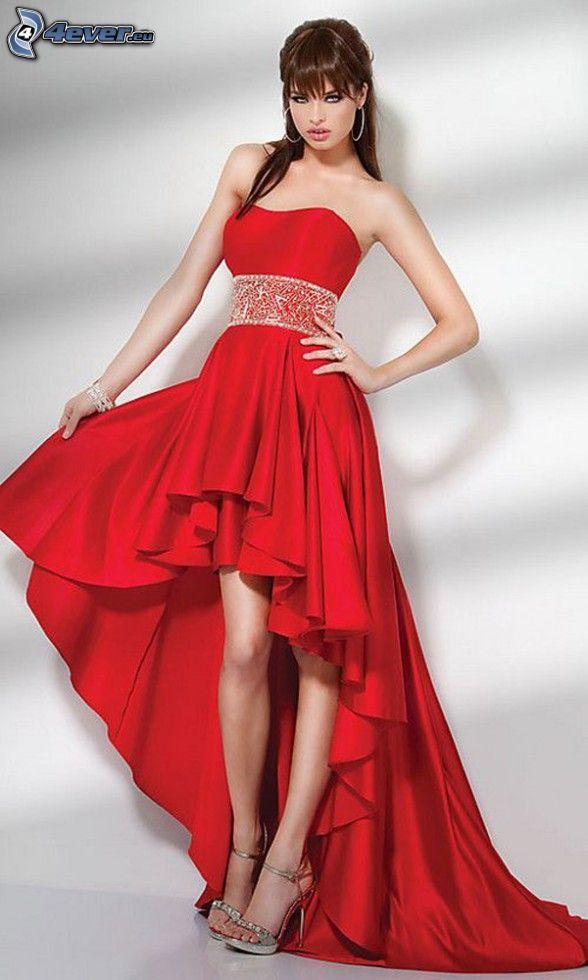 modell, röd klänning, långa ben, klackskor
