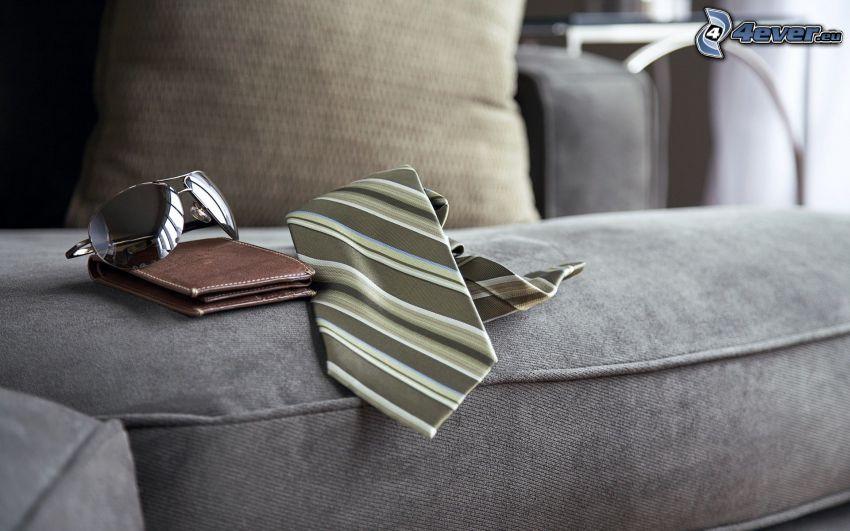 slips, plånbok, solglasögon