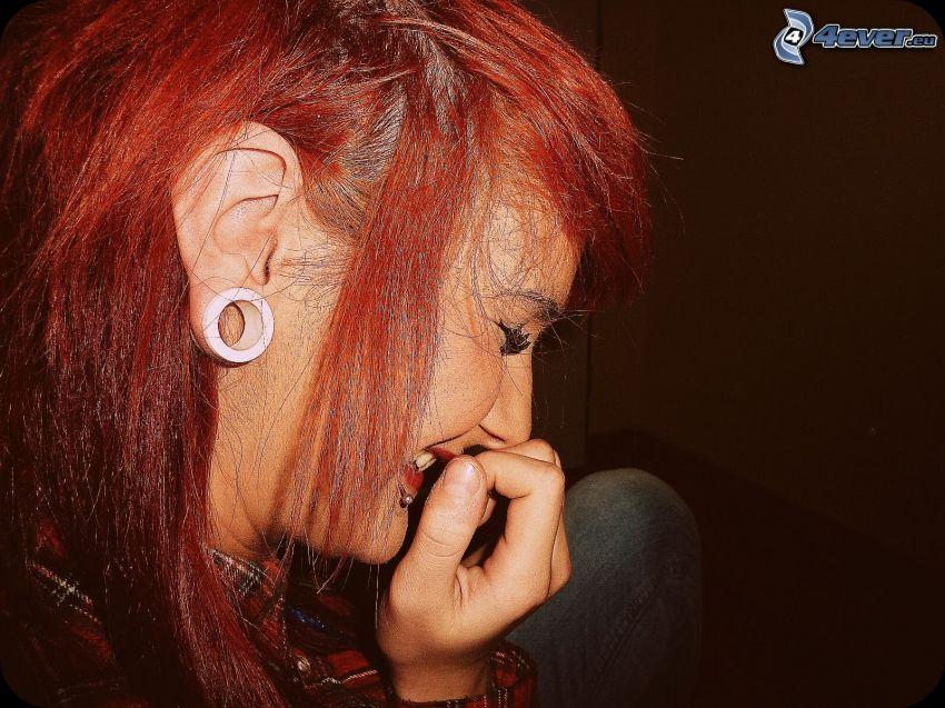 tunnel i örat, rödhåring, skratt