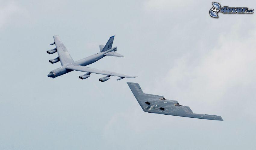 Boeing B-52 Stratofortress, B-2 Spirit