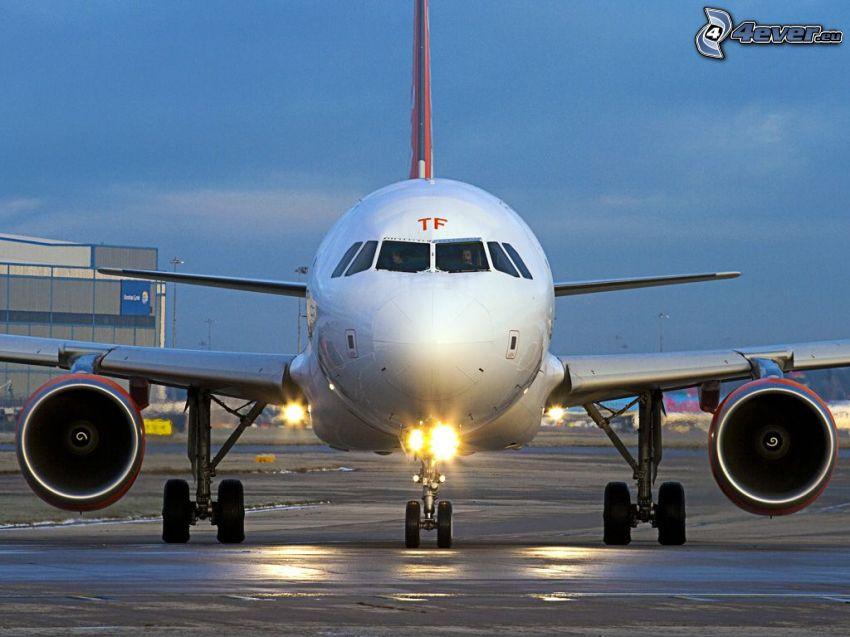 Airbus A320, flygplats