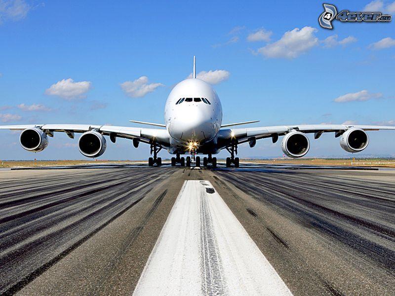 Airbus A380, flygplats, startbana
