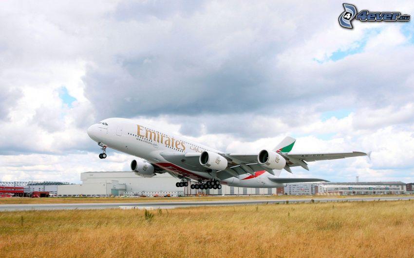 Airbus A380, flygstart